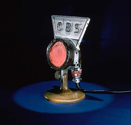 Microphone with the lettering 'C B S'
