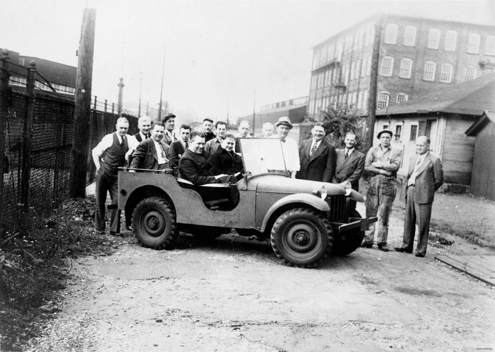 Many people in a jeep prototype