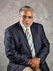 portrait photo of Secretary Lonnie Bunch