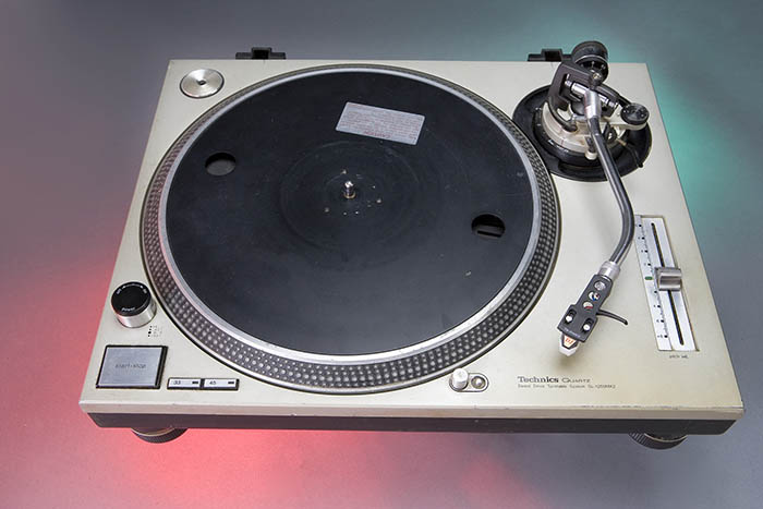 A single turntable