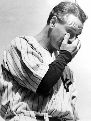 Lou Gherig wiping his eyes