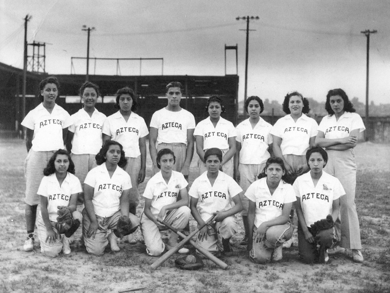 Kansas City Lady Aztecas softball team