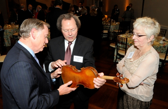 Kenneth Slowik, Artistic Director of the Smithsonian Chamber Music Society, meets with guests