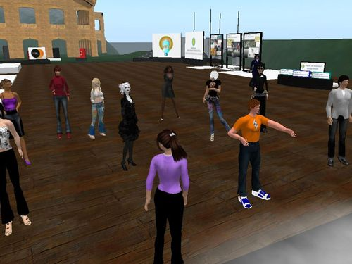 Screenshot from May 27 design review meet-up in The Tech Virtual prototyping space in Second Life