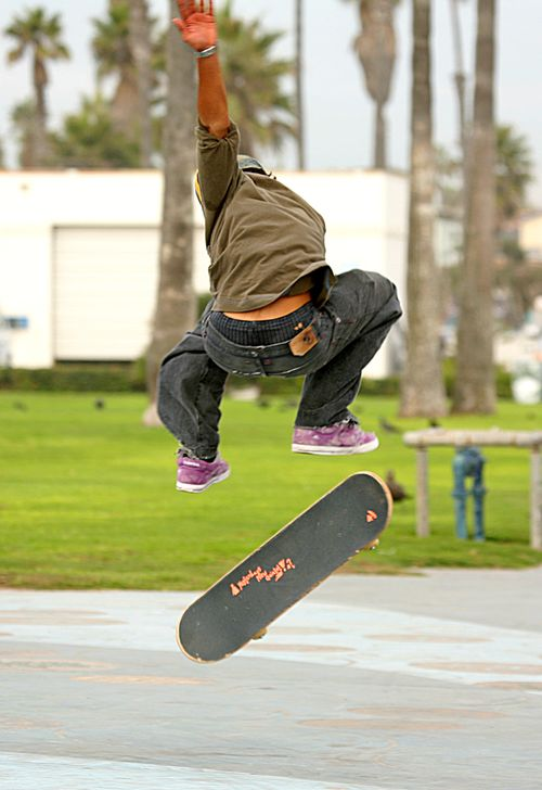 Skateboarder_in_the_air