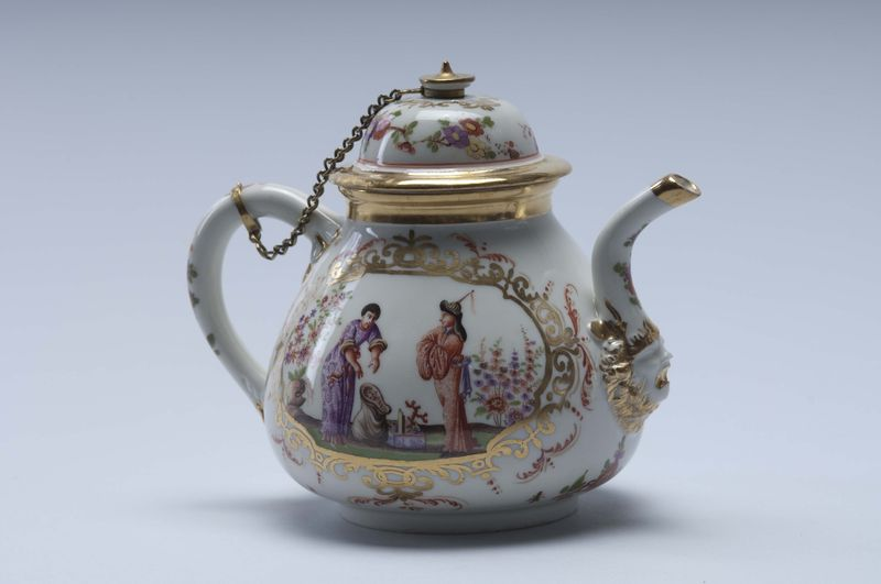 From Ancient Egypt To Tiffany Vases A Tour Of The Syz Porcelain