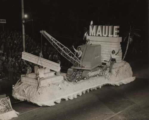 Maule Industries Inc Float_Orange Bowl Parade Collection