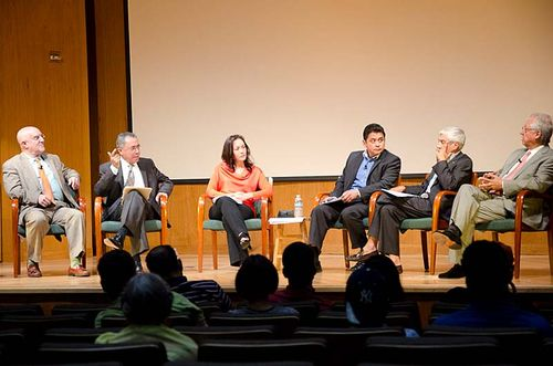 Panel members, from left to right: Jose Sueiro, Mario Sol, Rebeca Logan, Santiago Tavara, Ernesto Clavijo and Mario Martinez y Palacios.