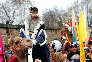 A celebration of Los Reyes Magos in Pamplona, Spain, in 2011. Photograph by Flickr user Rufino Lasaosa used under the creative commons license.