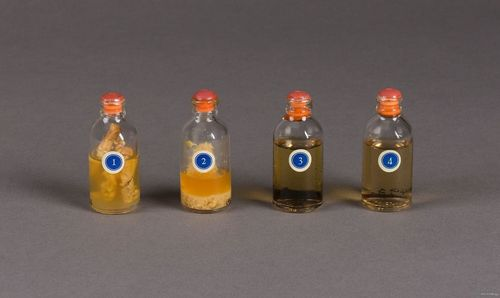 These vials of insulin come from an insulin sales kit made by Eli Lilly & Company in the 1940s (pictured below). The numbers labeling the vials indicate a four-step progression as the insulin is manufactured into its final product.