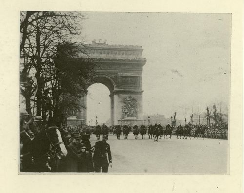 President Wilson riding through the Arc de Triomphe, 1918. Courtesy of the Woodrow Wilson Presidential Library.
