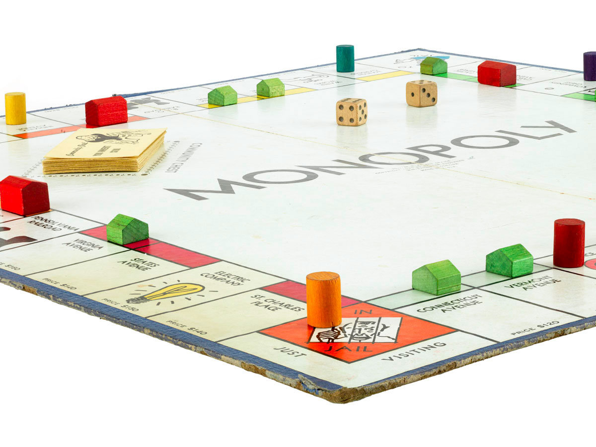 playing monopoly There's only one way to truly win monopoly, and that's to finish the game without  flipping the board, breaking up with your partner or becoming.