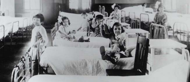 Children in hospital ward