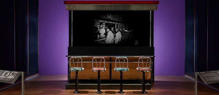 Lunch counter display