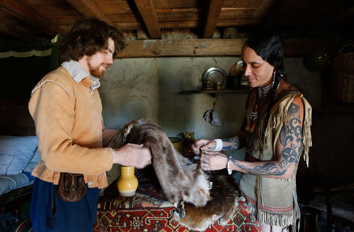 Plimoth Plantation program showing fur trade in early America