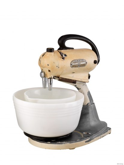 Photo of light yellow mixer with two white bowls