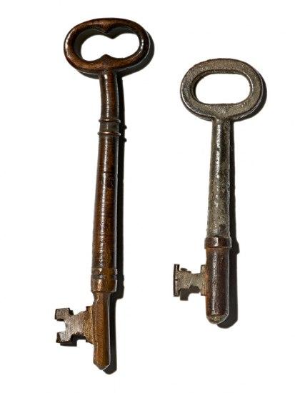 Set of two keys
