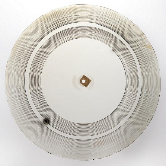 Round, clear glass sound recording