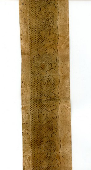 Pattern for bobbin lace made in Ipswich around 1790, corresponding to one of the lace samples among Alexander Hamilton's correspondence in the Library of Congress, and used as a model for the replica lace in the Within These Walls exhibition. Linen pasteboard. E386686.