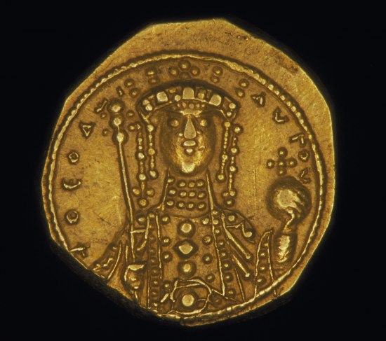 Image of coin featuring figure wearing crown and holding scepter