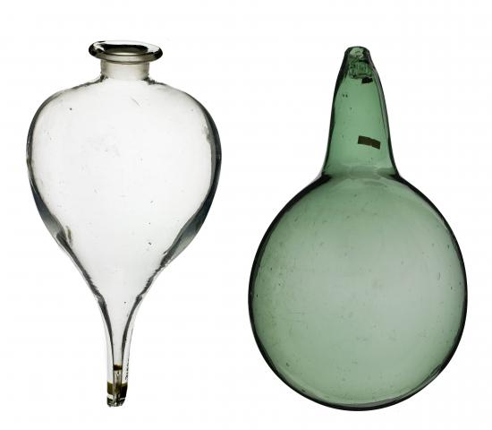 Glass bulbs with pointed end