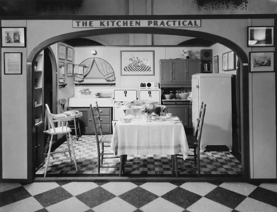 1929 model of an efficient kitchen