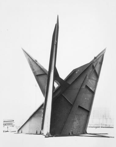 Photo of sculpture, large