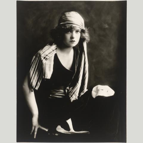 Clara Bow photo