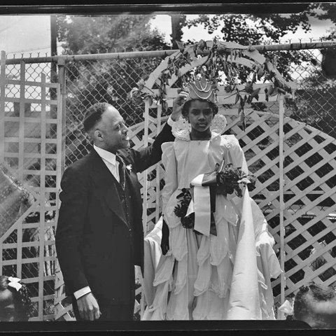Miss Anna Jackson's May Day, 1942