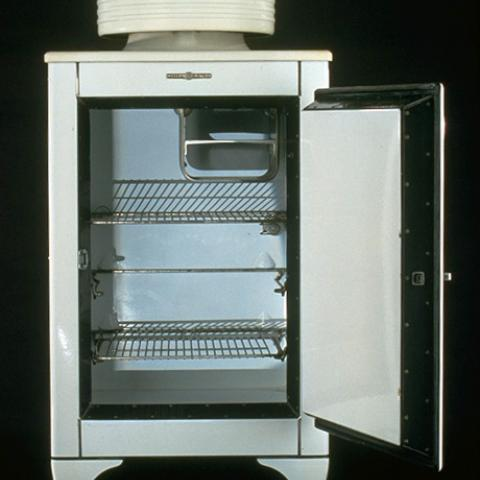 1930s General Electric Monitor Top refrigerator