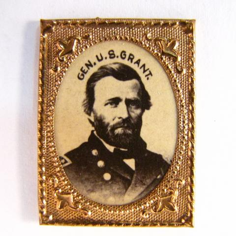 Campaign badge with a photo of Grant and gold-colored frame
