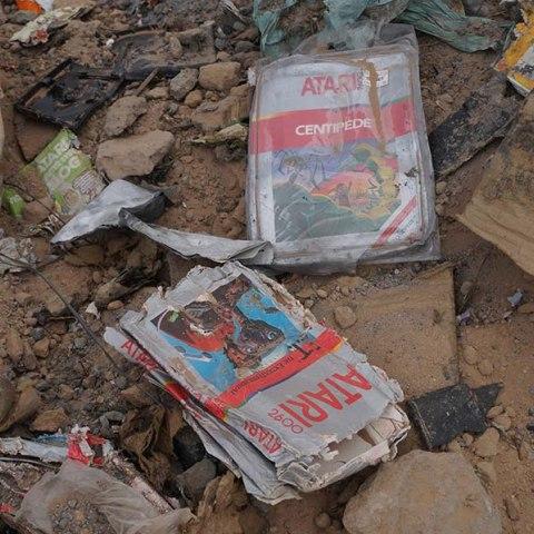 Atari E.T. cartridge in landfill dirt