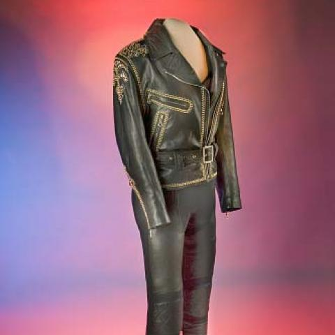 Selena's outfit in the collection