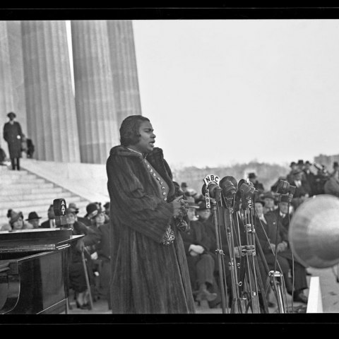 Marian Anderson performing on the steps of the Lincoln Memorial, 1939 (Photographs by Robert S. Scurlock, Scurlock Studio Records, Archives Center, National Museum of American History)