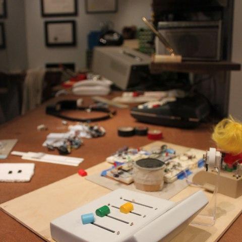 Details of table in Ralph Baer's Inventor's Workshop